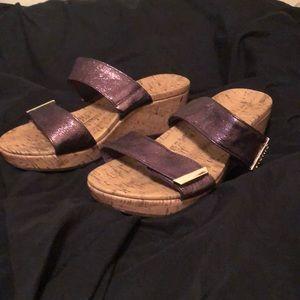 Beautiful brand new Vionic sandals